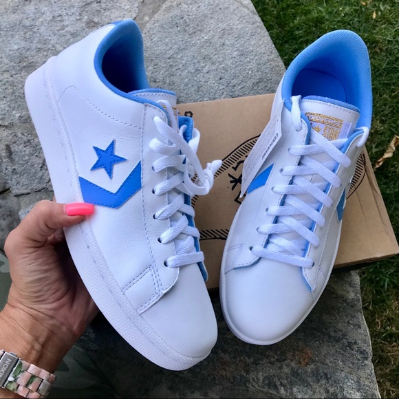 9856075e02fc NWOB CONVERSE LEATHER LOW UNC PACK MENS SIZE 10